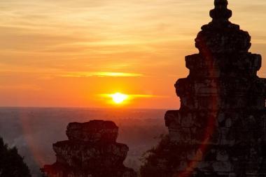 Cần Thơ - HCM - Siem Riep - Phnom Penh - Núi Kulen - Dòng Sông 1000 Linga - Wat Thmey 4N3Đ