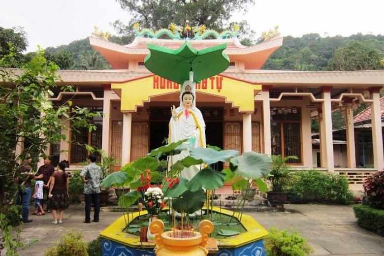 chùa sư muôn