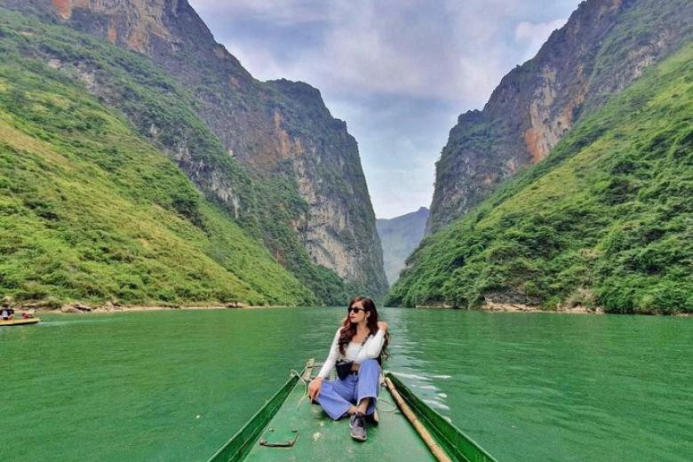 Du thuyền sông Nho Quế
