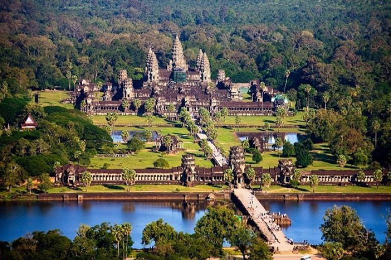 Quần thể di tích đền Angkor Wat