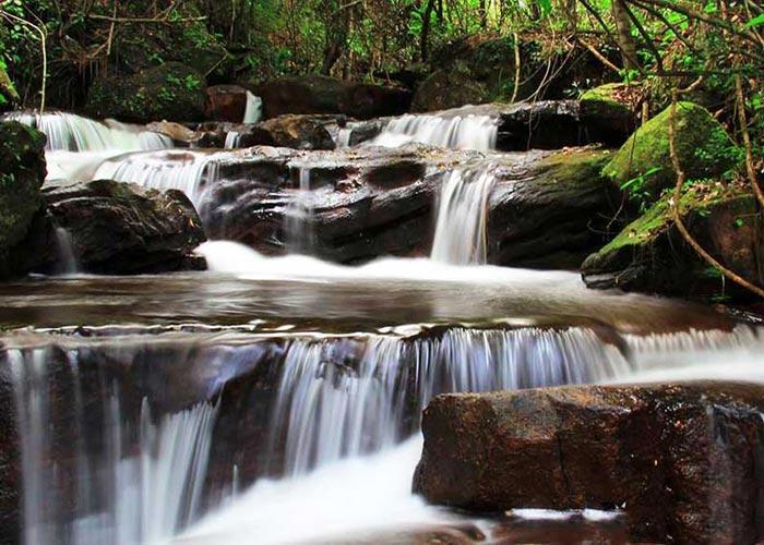 Tour tham quan Phú Quốc: Đến Suối Tranh leo núi tắm suối