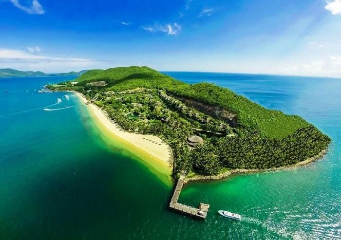 Thăm quan đảo Hòn Mun