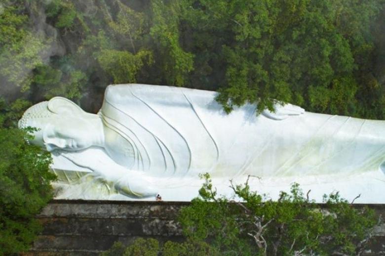 Tượng Phật Nhập Niết Bàn