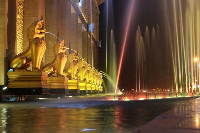 Du lịch Campuchia: Quảng trường Sông Bốn Mặt