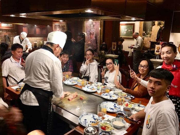 Thưởng thức ẩm thực Nhật Bản