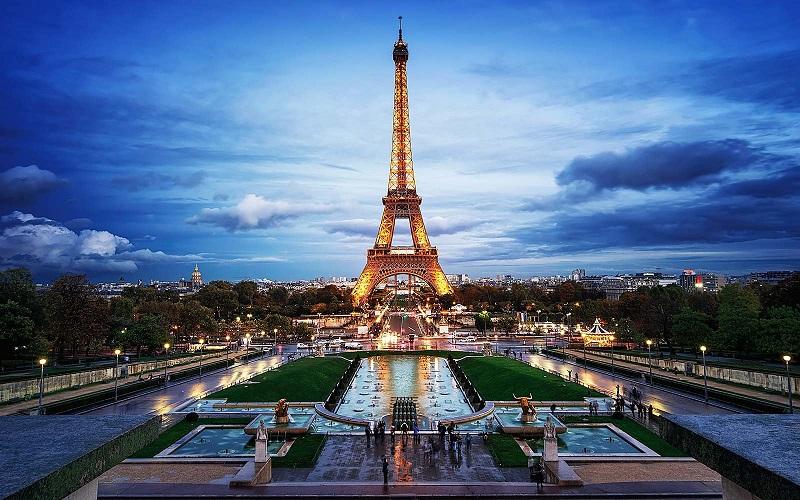 Tháp Eiffel - biểu tượng của nước Pháp