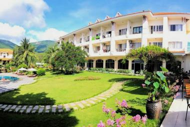 Combo Côn Đảo 2N1Đ - Sài Gòn Côn Đảo Resort 3* + Vé Máy Bay