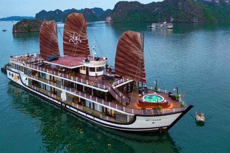 Hà Nội - Hạ Long Du thuyền Orchid 5* 2N1Đ