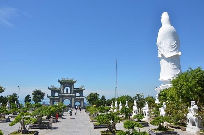 Du lịch Đà Nẵng: Chùa Linh Ứng