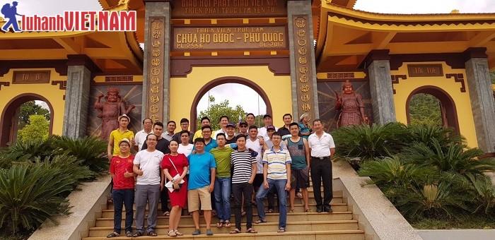Đoàn khách du lịch Phú Quốc