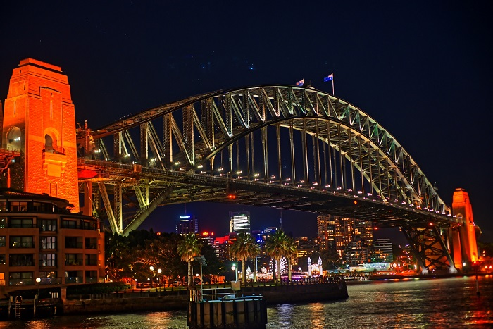 A_close_view_of_Sydney_Harbour_Bridge_at_night