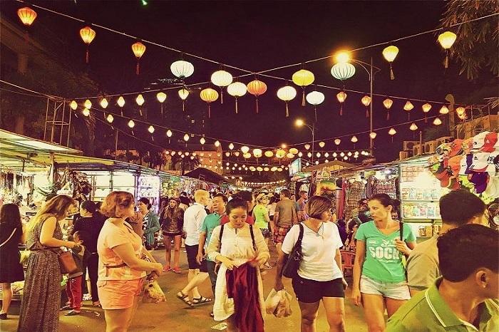 Du lịch Nha Trang: Chợ đêm Nha Trang