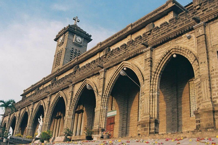 Du lịch Nha Trang: Nhà thờ Chánh Tòa