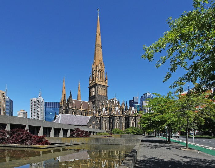 St Patrick Cathedralnhà thờ cao nhất nước Úc này là một ốc đảo thanh bình với kiến trúc và nghệ thuật đậm nét cổ xưa