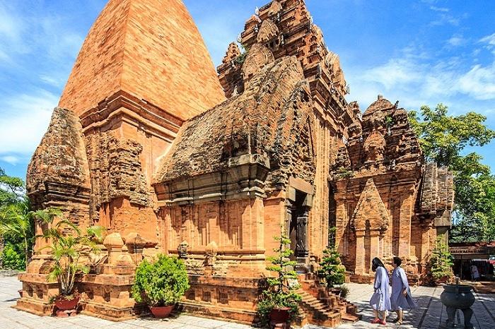 Du lịch Nha Trang: Tháp Bà Ponagar