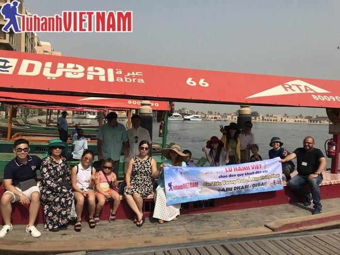 Đoàn khách du lịch Dubai