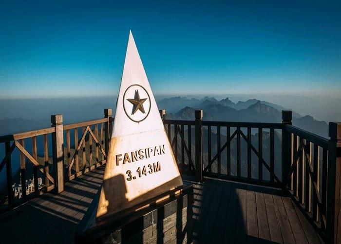 Du lịch các tỉnh Đông Tây Bắc: Fansipan