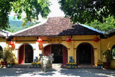 Hà Nội - Côn Đảo 3N2D (bay Vietnam Airlines + Tàu Cao Tốc 5*)