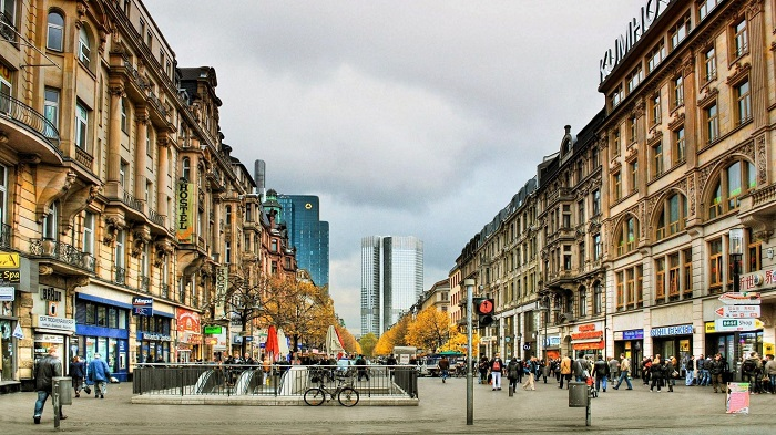 frankfurt-streets-wallpaper-4