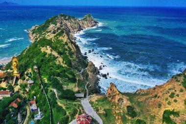Landtour Tour Kỳ Co - Eo Gió - Tịnh Xá Ngọc Hòa - Đồi Cát Phương Mai 1 Ngày