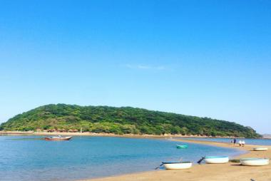 Tour Đi Đường Bộ Trên Biển Nhất Tự Sơn - Phú Yên 1 Ngày