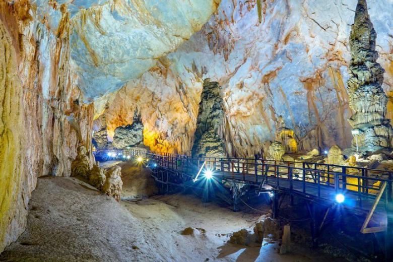Tour Huế - Động Phong Nha 1 Ngày
