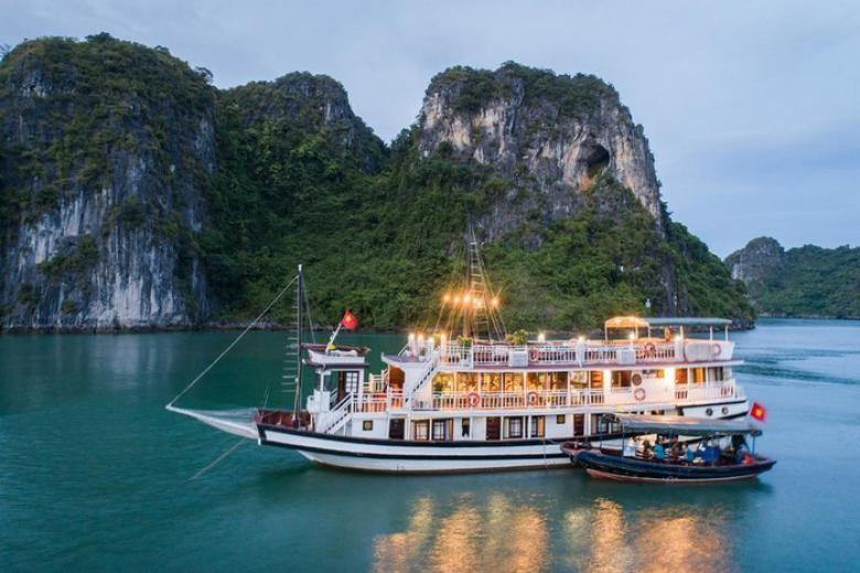 Hà Nội - Hạ Long - Du Thuyền Swan 4* 1 Ngày